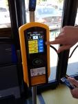Bezkontaktní platba jízdenky ve vozech MHD v Plzni