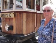 Po 70 letech opět v dřevěné tramvaji