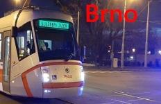 Tramvaj v cenrtu Brna srazila osmdesátiletého cyklistu