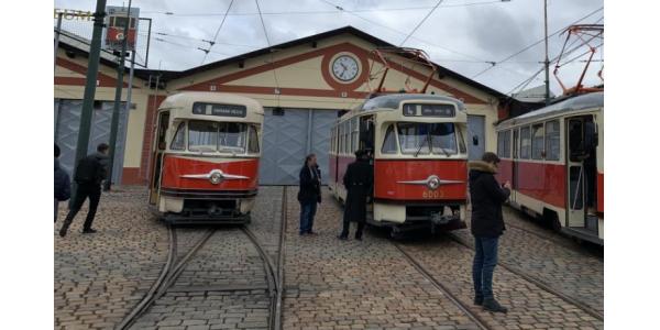 Do provozu v Praze se vrátí tramvaje z roku 1964