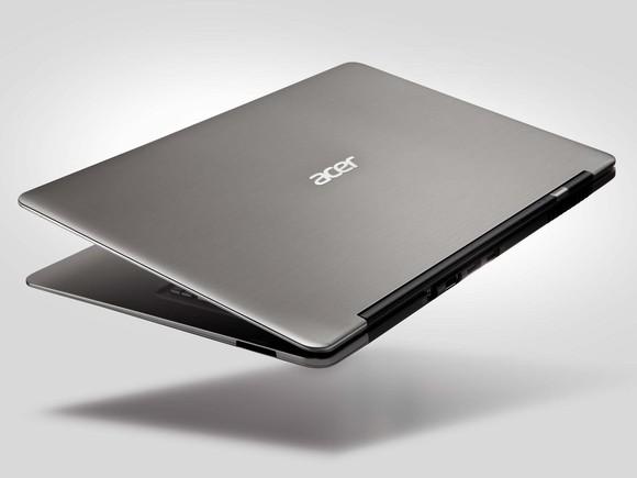Acer Aspire S3 pohled ze předu zavřený