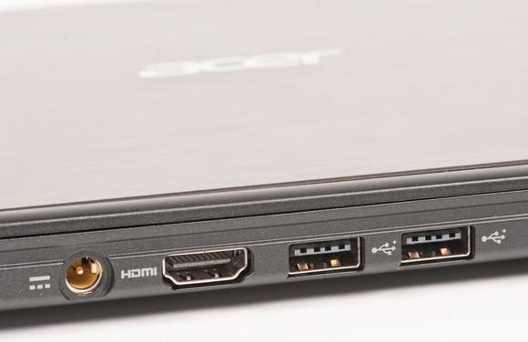 Acer Aspire S3 pohled ze zadu sloty